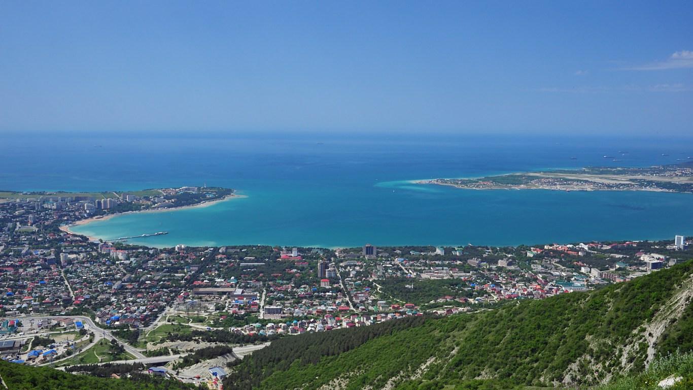 В уютной бухте черного моря в